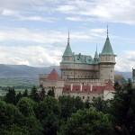 800px-Slovakia_Bojnice_Castle_2004_hires