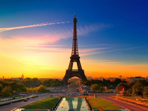 City-of-Paris-France-Eiffel-Tower_1920x1440