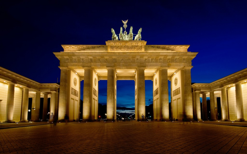 brandenburg_gate_wallpaper_2-wide